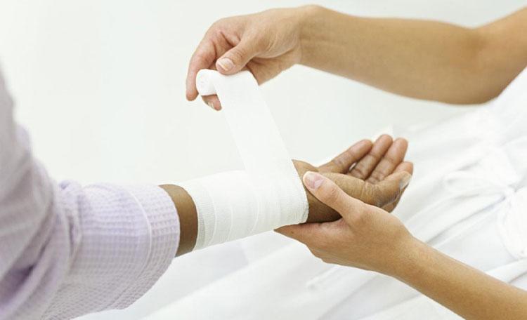 نقش پانسمان های مرطوب در التیام زخم